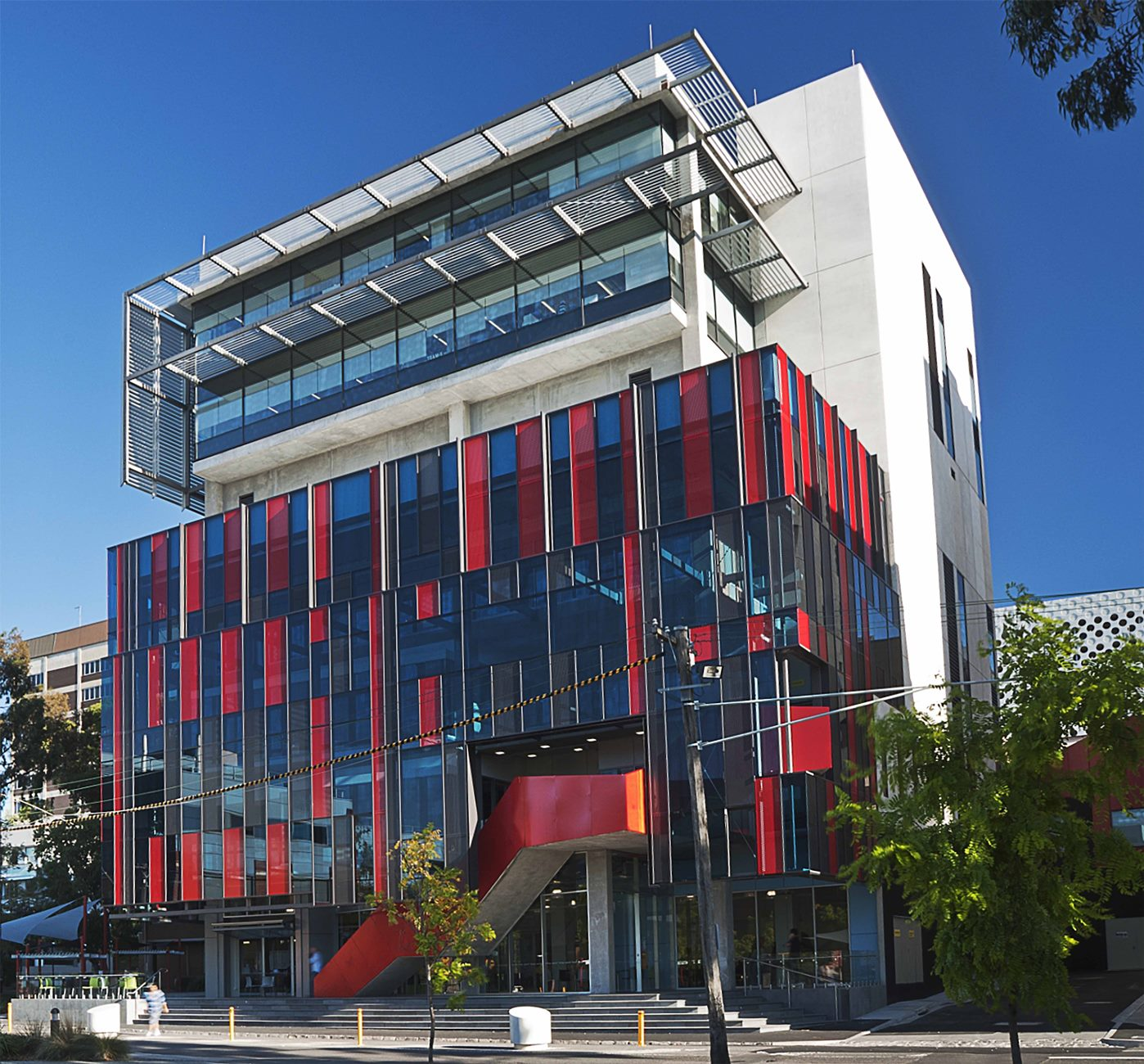 SWINBURNE UNI